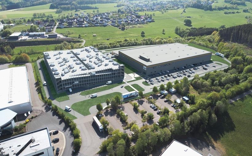 Amaazon warehouse Wenden Germany